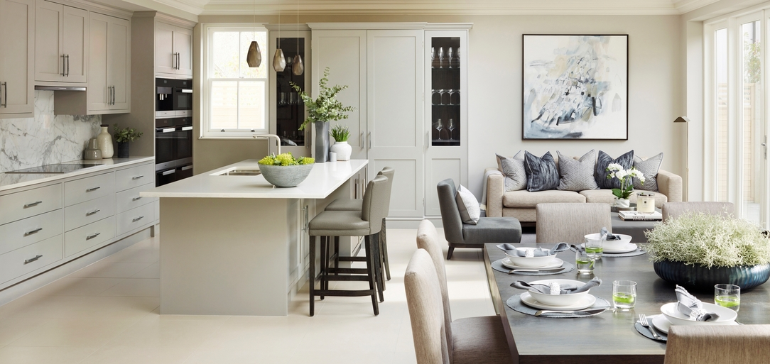 Large english white and beige kitchen